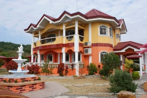 Mansion Overlooking the Beach, Bacnotan, La Union